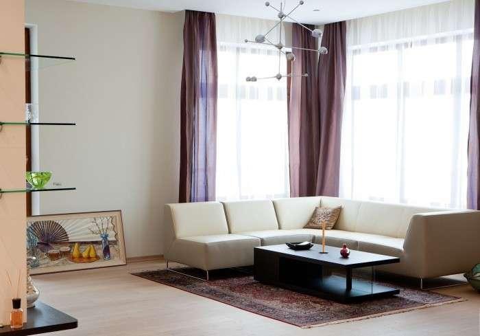 Дизайн квартир с угловым окном фото