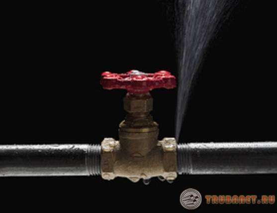 Свищ в трубе: что это такое, устранение в водопроводной или отопительной системе