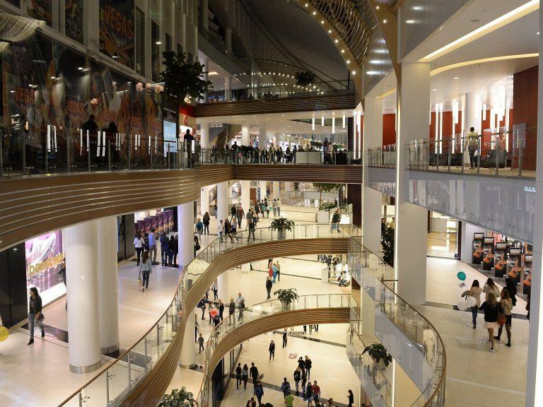 Сбербанк выставил на продажу 19 торговых центров в разных регионах России
